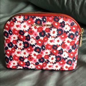 Beautiful Michael kors travel pouch 👝